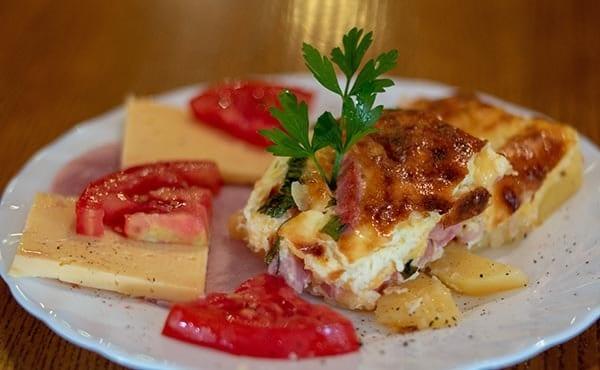 Отдых в Карпатах с питанием завтраки шведский стол